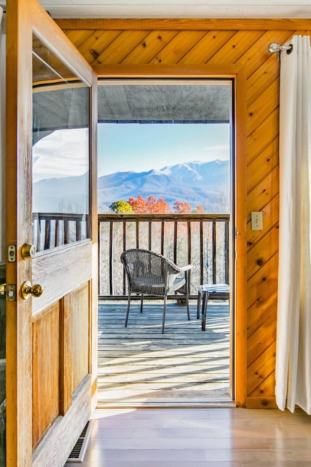 Apartment Admire Stunning Mountain Views at a Calm  Cozy Cabin photo 17267372