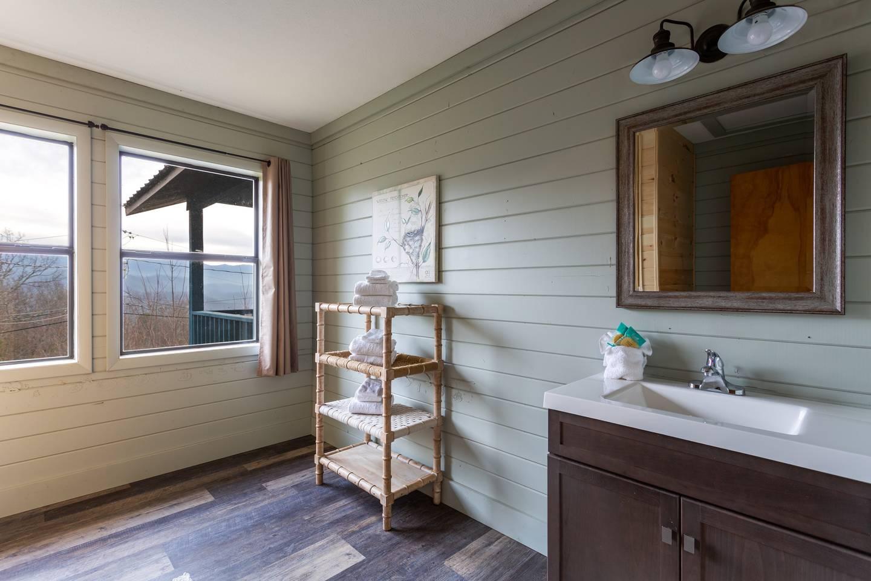 Apartment Stylish Decor Mountain View 3 6 Miles to DwTn Gat photo 25573450