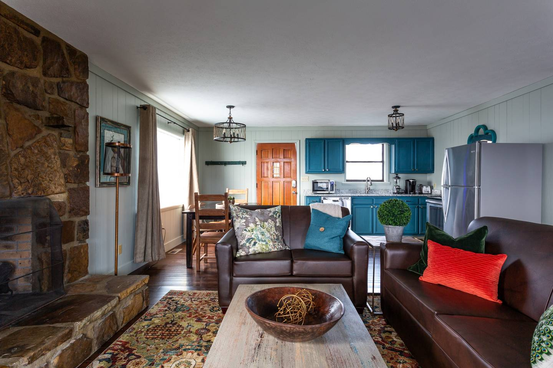 Apartment Stylish Decor Mountain View 3 6 Miles to DwTn Gat photo 18644468