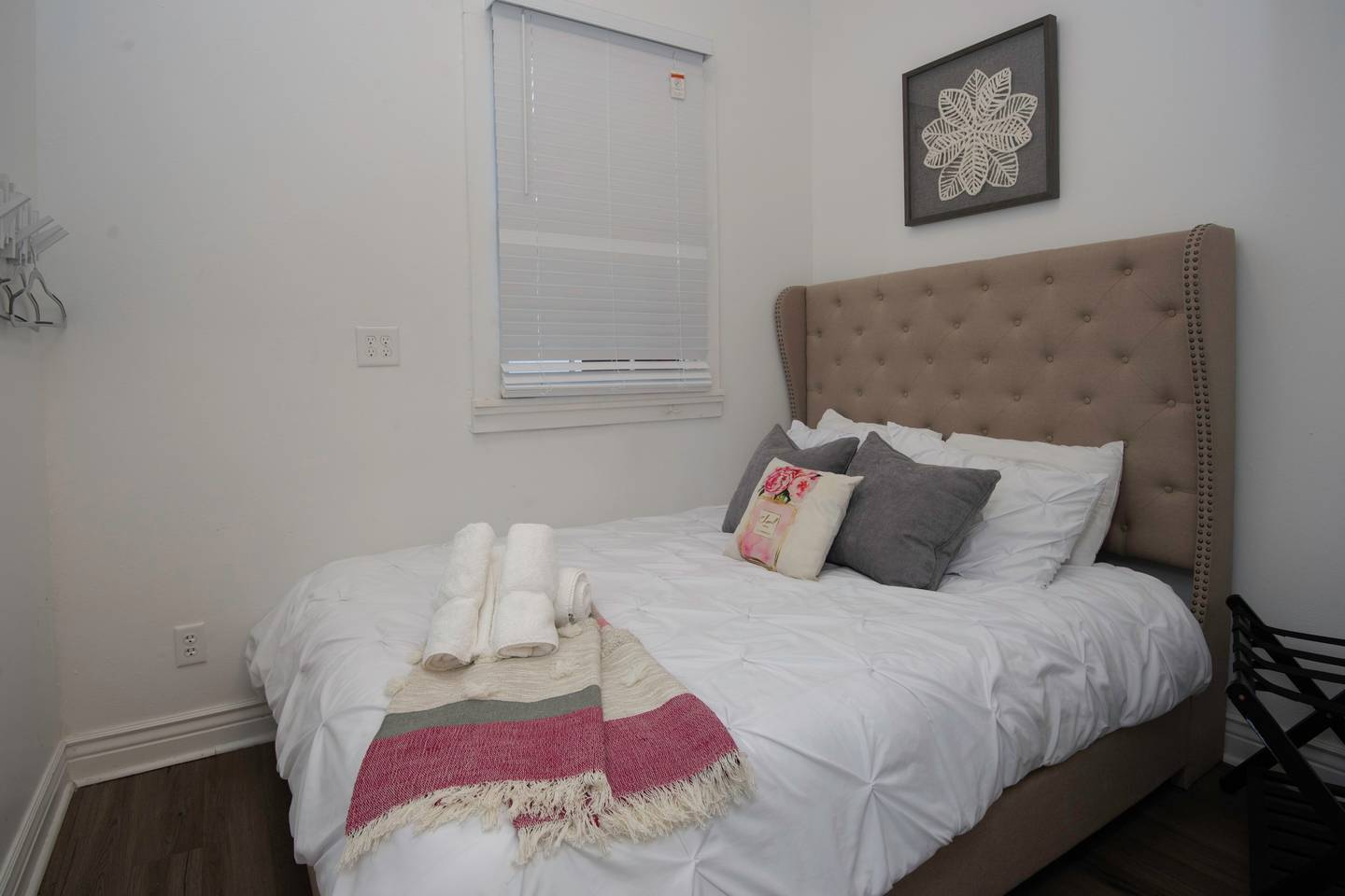 Apartment 5 BR-Sleeps 10  Best location next to French QT   photo 16468552