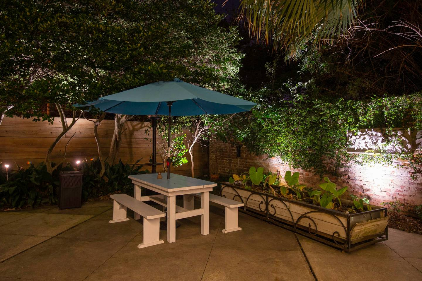 5 BR-Sleeps 10! Best location next to French QT! photo 10958601