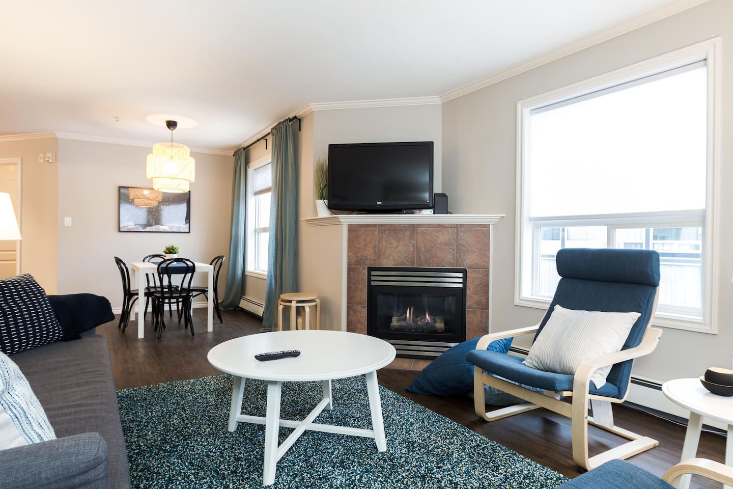 Apartment LUXURY   CONDO NEAR ROGERS PLACE   DOWNTOWN SUITE photo 25451502
