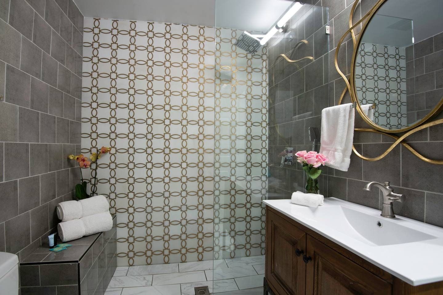 8BR-Best Location! Heated Pool, Jacuzzi, Spa & Gym photo 5336743