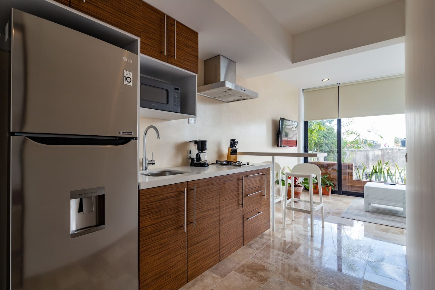 Brand new and affordable condo 10 min to the beach photo 5746796