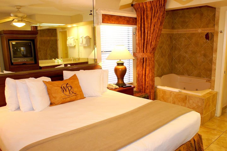SPECIAL!!! 1 Bedroom on Flamingo Rd #FlamingoBay! photo 15817302