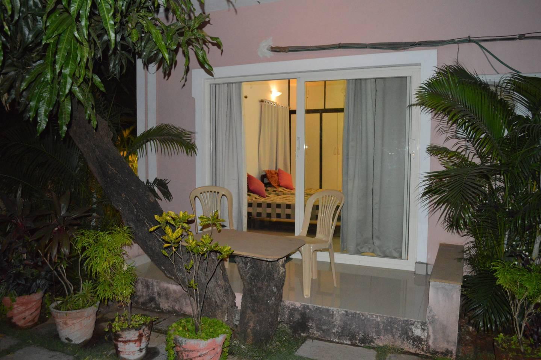 Goan Courtyard- Poolside Studio Apartment photo 6734110