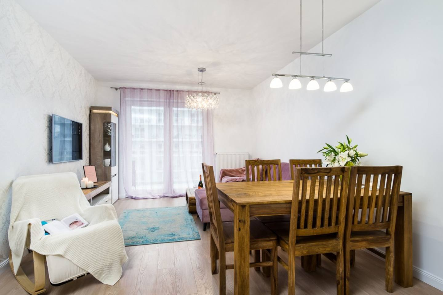 Apartment Cosy Two bedroom apartment with stunning city view photo 28173309