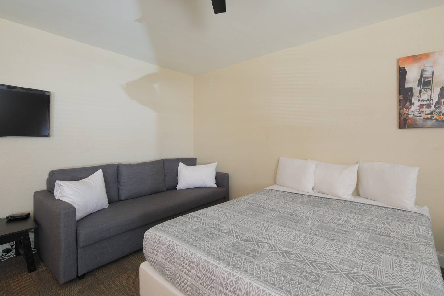 Amazing Apartment mins from South Beach Strip! photo 5795140
