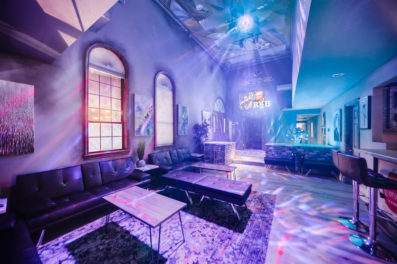 Apartment 9bdrm 8bath Private Disco  Karaoke    Resort Pool  photo 16855783
