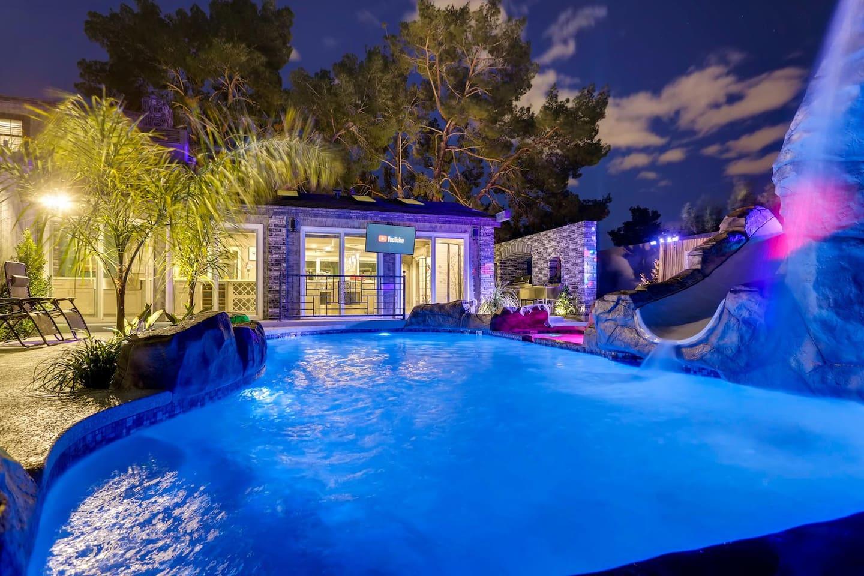 Apartment 9bdrm 8bath Private Disco  Karaoke    Resort Pool  photo 16855805