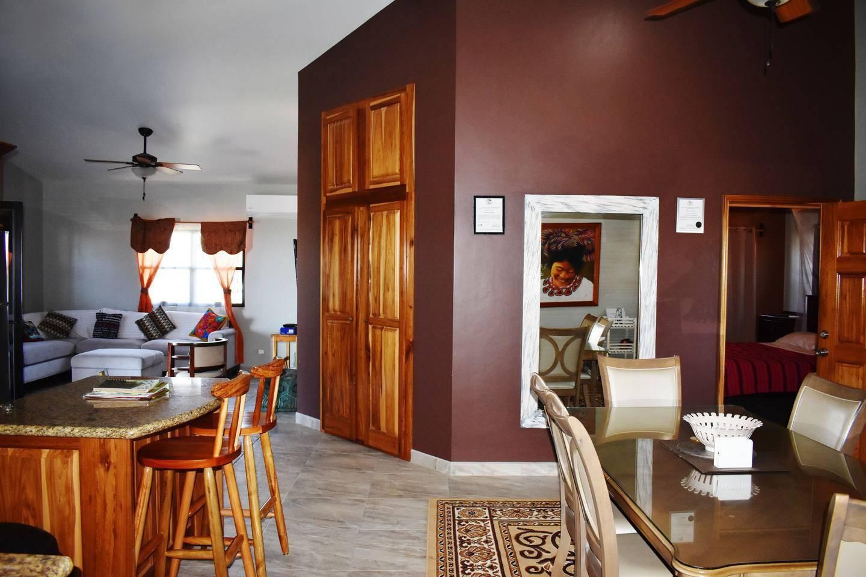 Apartment Entire top floor on San Ignacio Hilltop photo 28644748