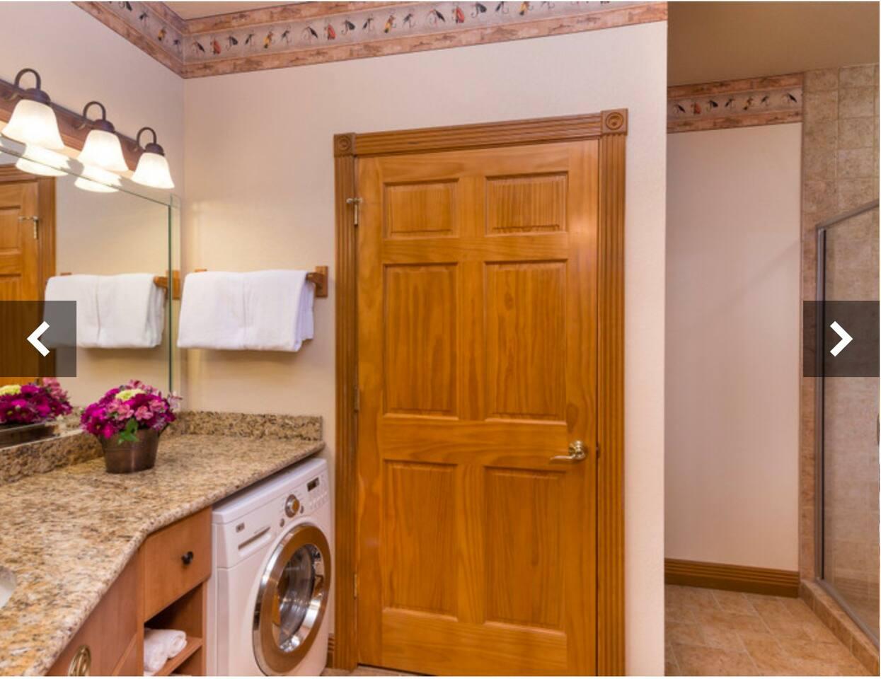 Apartment SPECIAL    Luxury 1 Bedroom in Branson  Woods photo 18426260