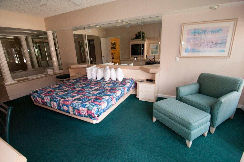 NEW - 2 Bedroom VIP Villa Life photo 16375857