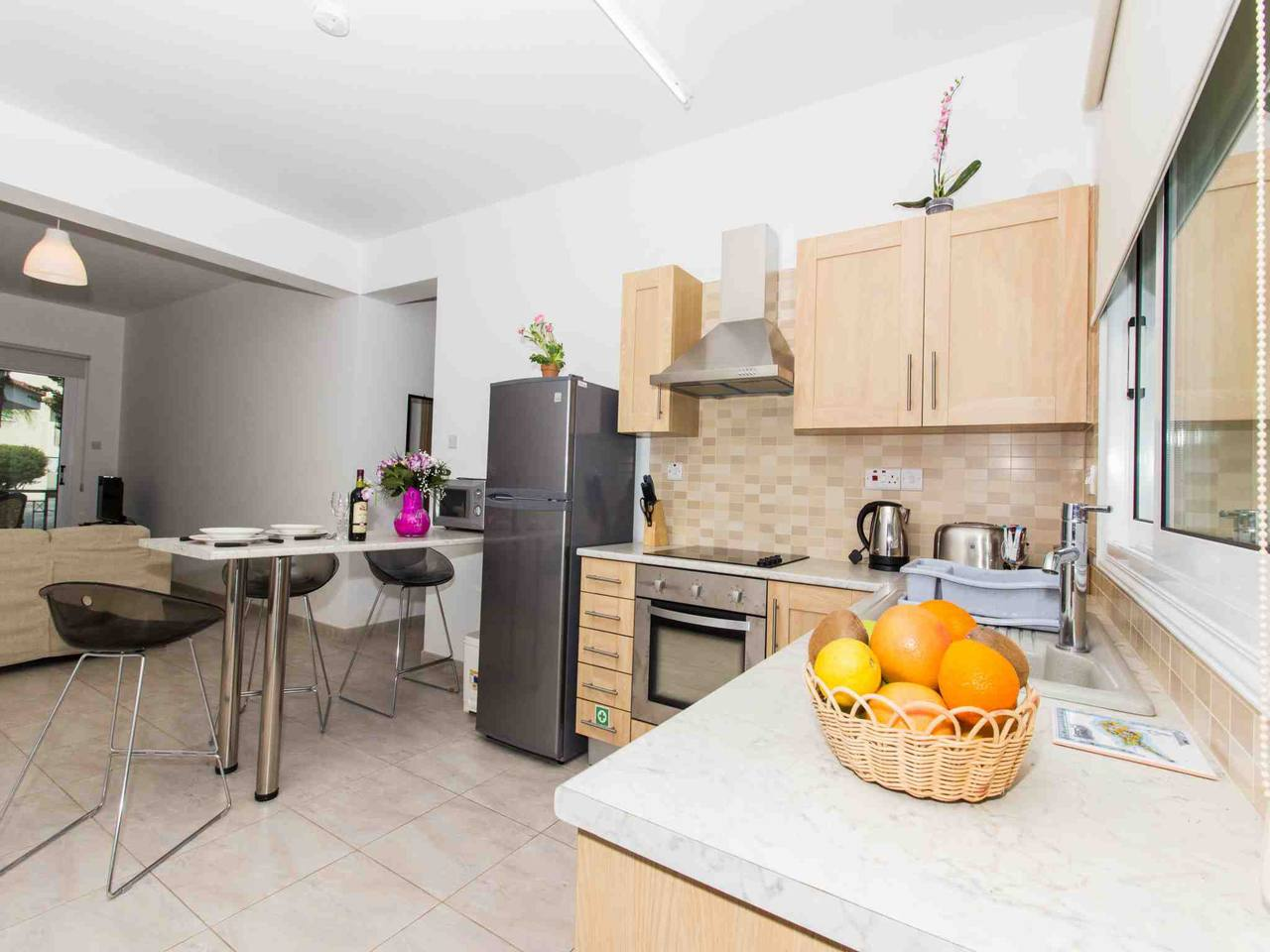 Modern 1 Bedroom Apartment with Communal Pool  - Great Kings Complex B19 photo 28946163