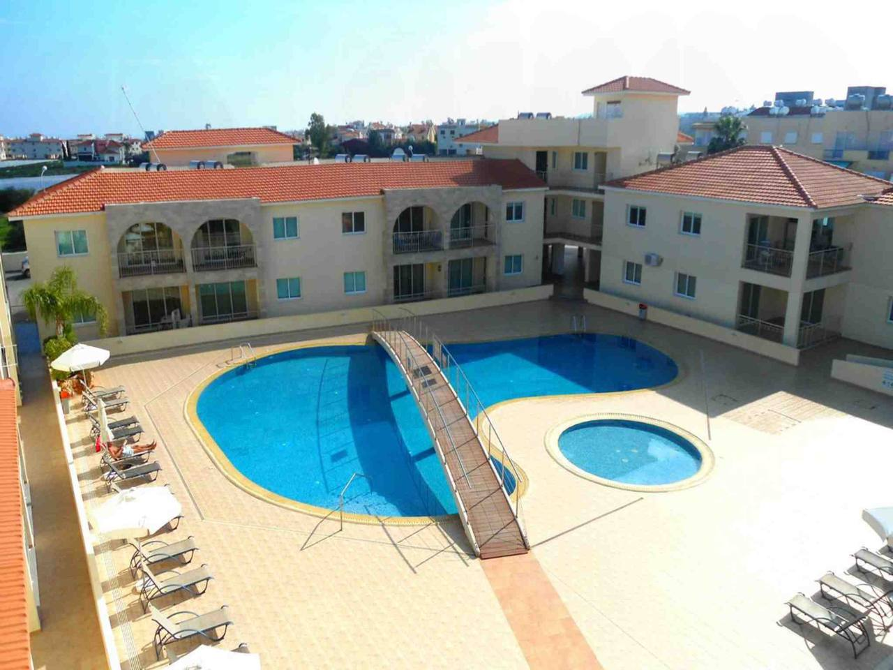 Apartment Modern 1 Bedroom Apartment with Communal Pool  - Great Kings Complex B19 photo 28946161