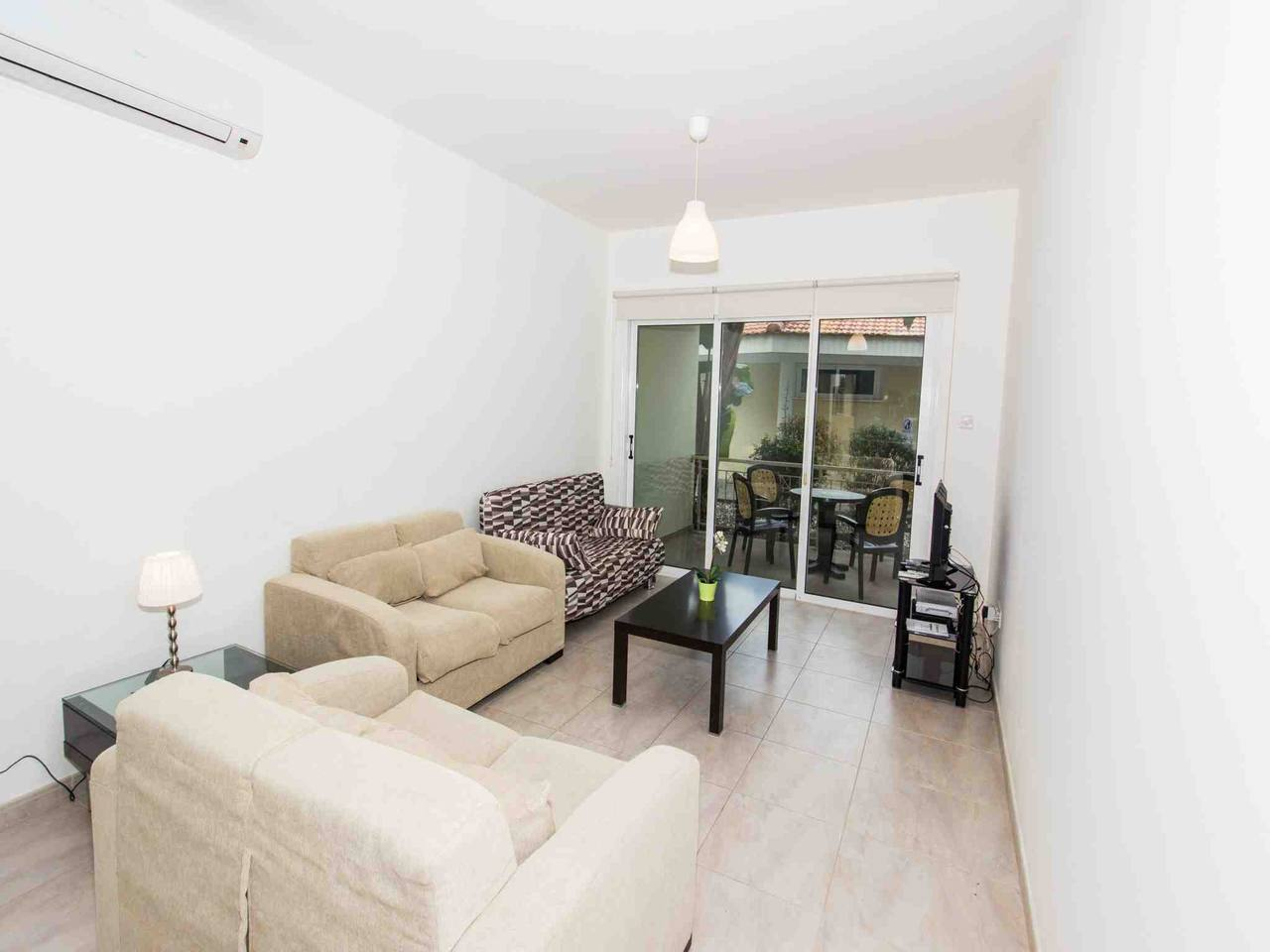 Modern 1 Bedroom Apartment with Communal Pool  - Great Kings Complex B19 photo 28950546