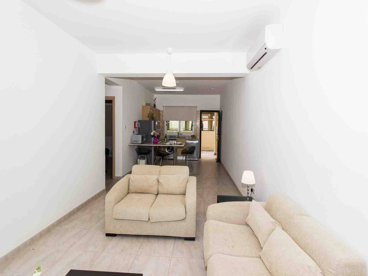 Apartment Modern 1 Bedroom Apartment with Communal Pool  - Great Kings Complex B19 photo 28950549