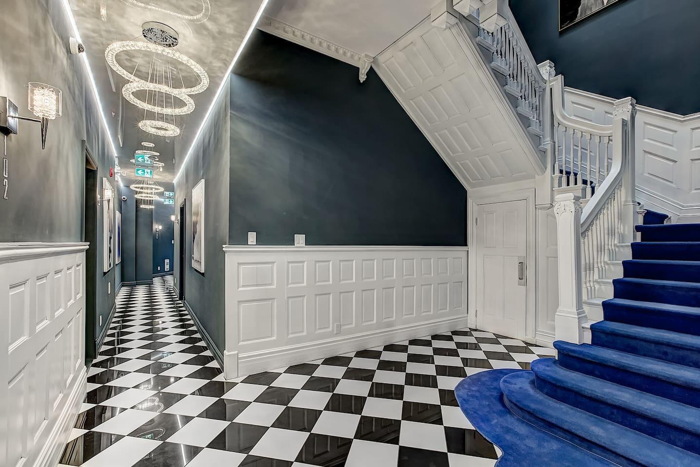 Apartment Downtown Museum District Suite Design Studio photo 25848267