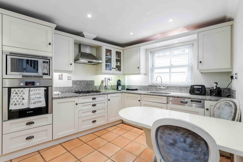 Ultra-elegant Kensington house for 7 with garden photo 16126266