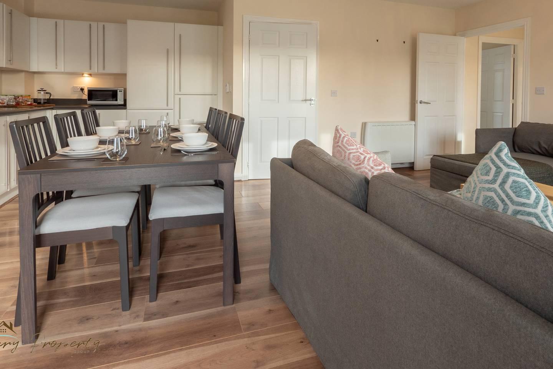 Apartment Ashdown -Bed Apartment Reading Town w  Balcony  5  photo 18230402
