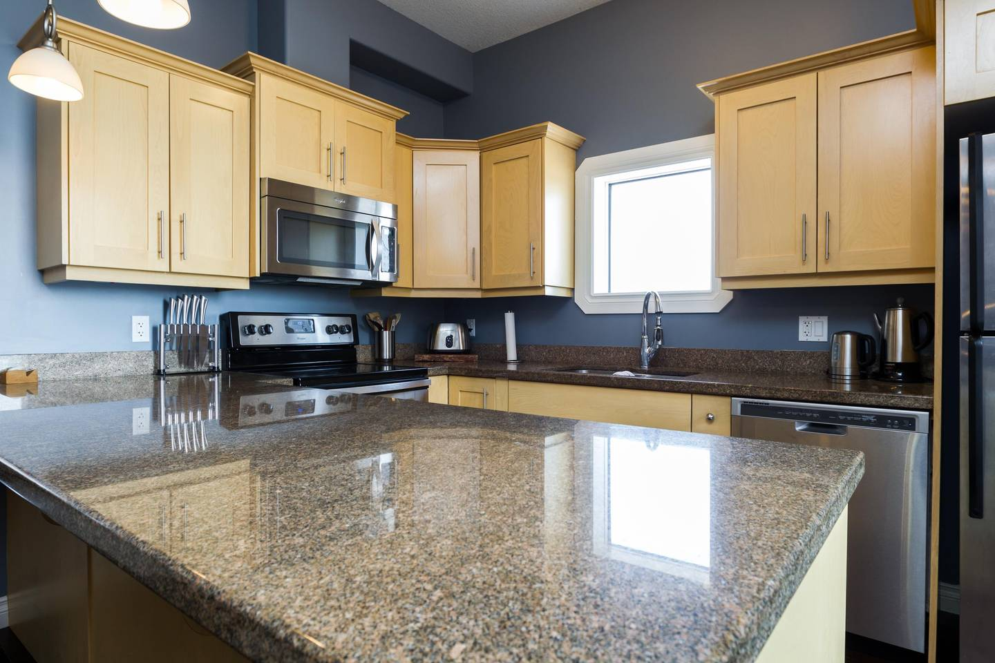 Apartment Luxury  2 Story Condo Near Rogers Place  Downtown photo 25966048