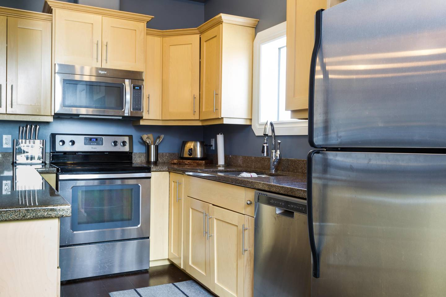 Apartment Luxury  2 Story Condo Near Rogers Place  Downtown photo 25966049