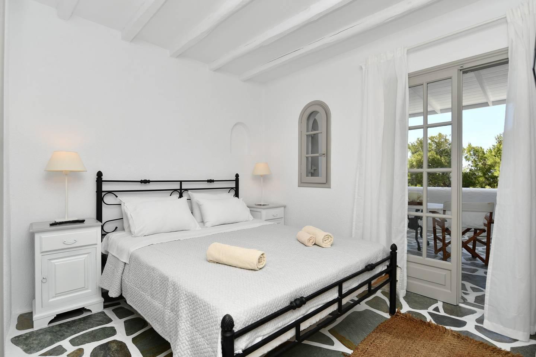 Apartment Santa Flora 3 Bedroom House - Parikia s Edge photo 18804881