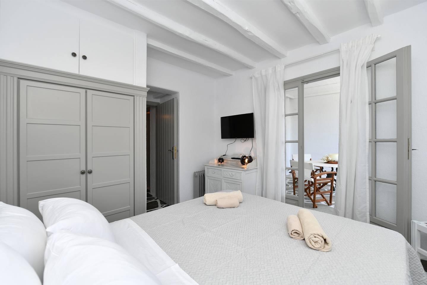 Apartment Santa Flora 3 Bedroom House - Parikia s Edge photo 18958999