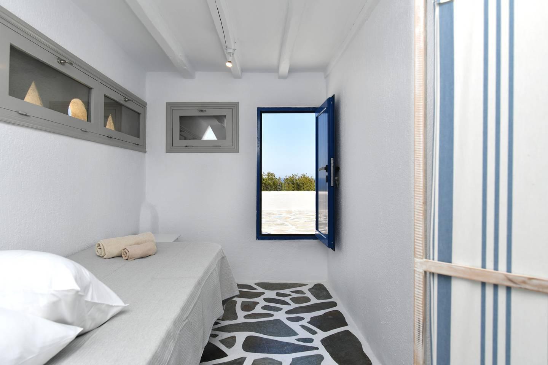 Apartment Santa Flora 3 Bedroom House - Parikia s Edge photo 18959001