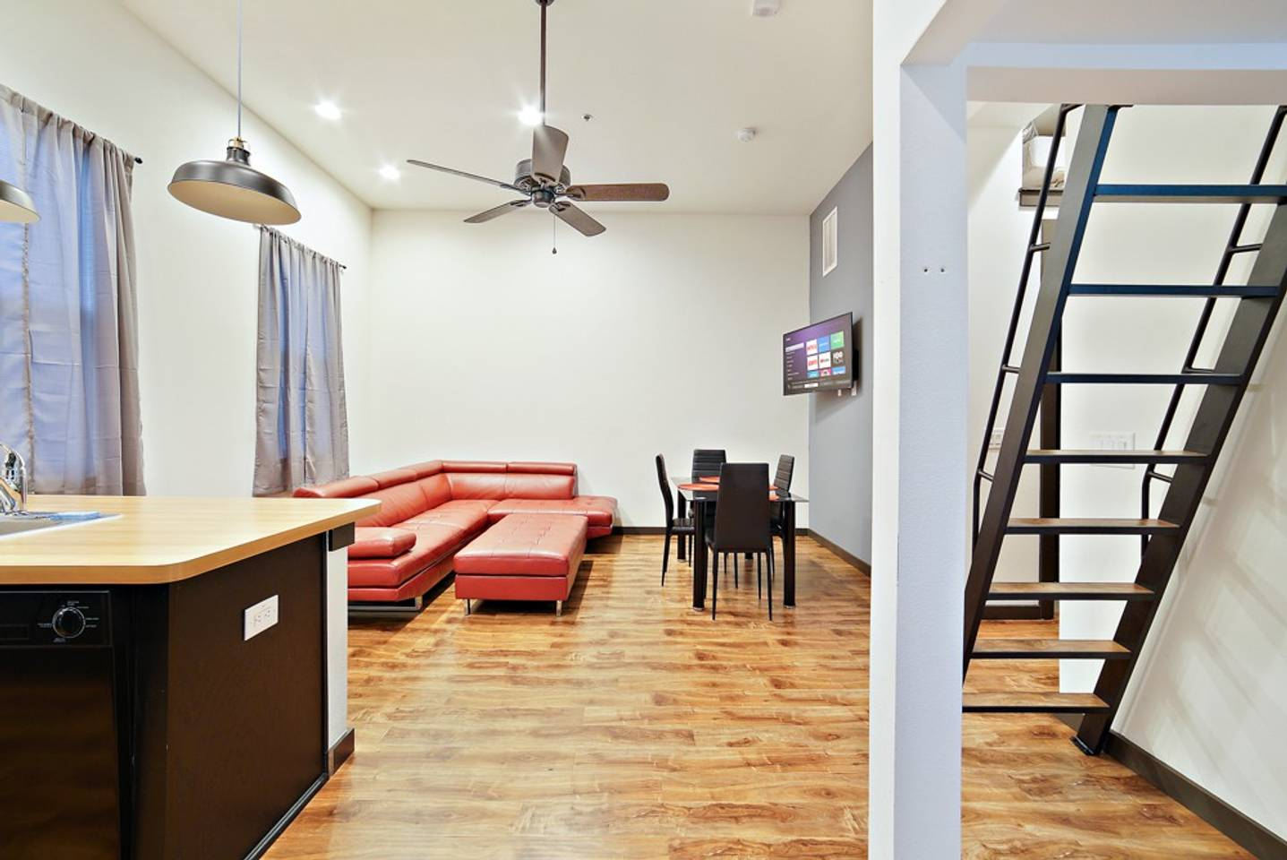 Loft Style Living in Downtown Tampa #206 photo 19134231