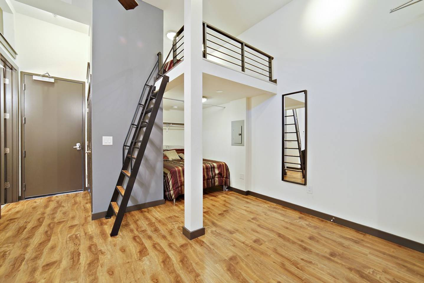 Apartment Loft Style Living in Downtown Tampa  103 photo 18825817