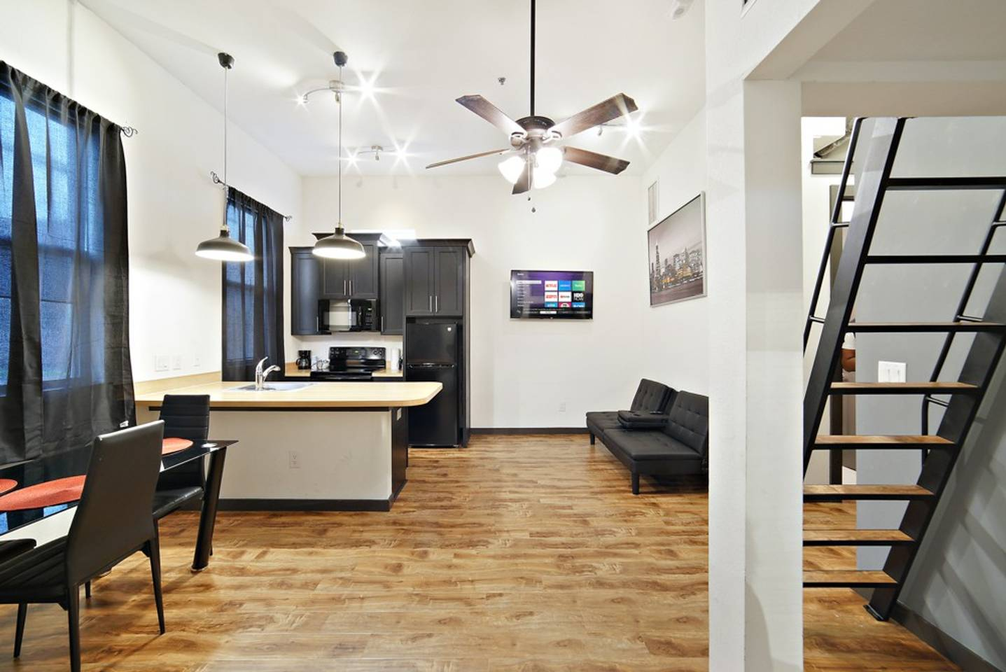 Loft Style Living in Downtown Tampa #103 photo 19428375