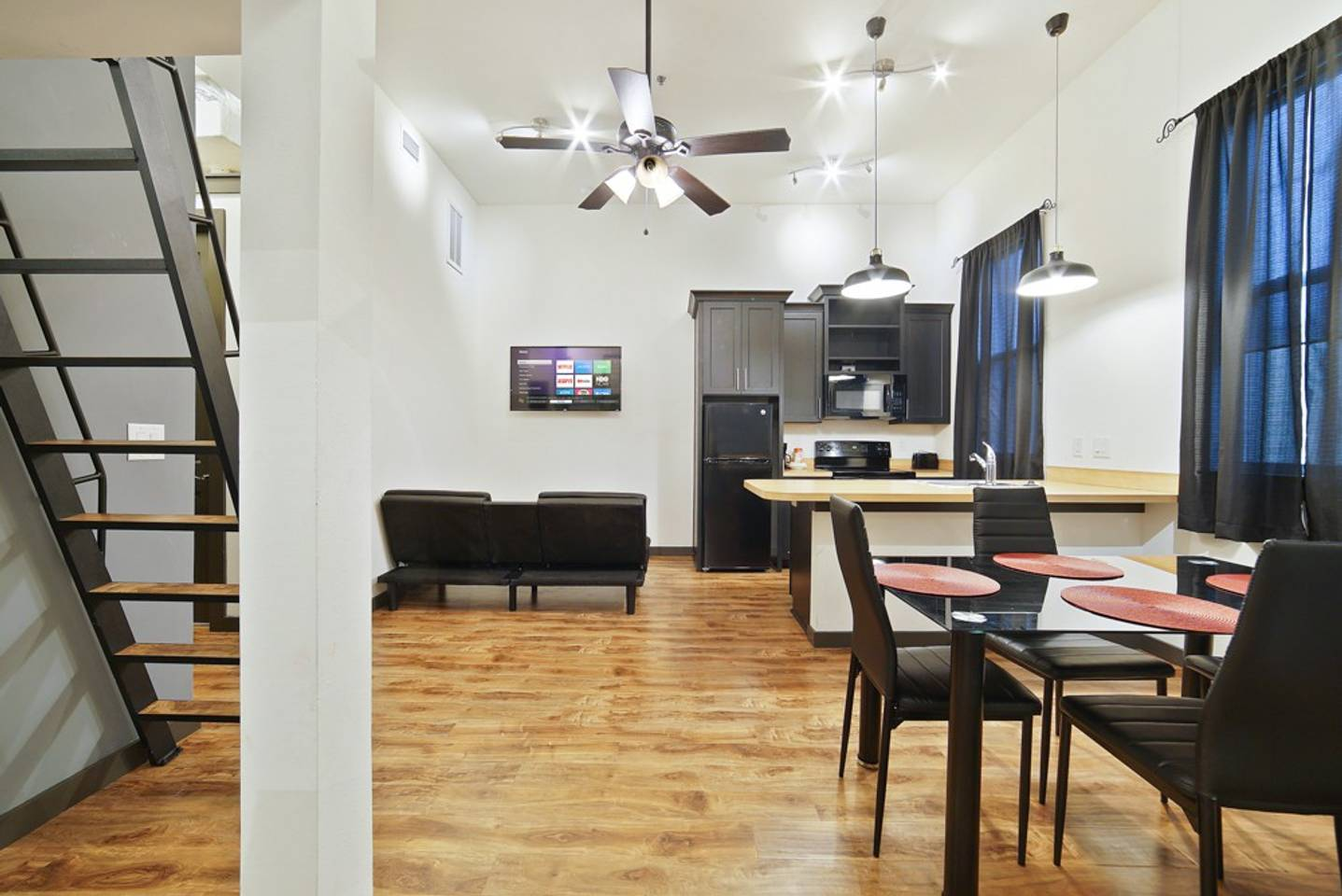 Apartment Loft Style Living in Downtown Tampa Unit  101 photo 18119634