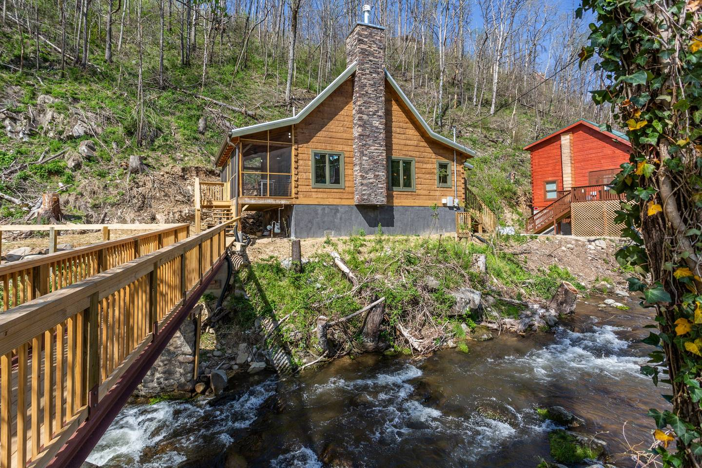 Apartment On Roaring Fork Stream  9 Miles to DwTn Gatlinburg photo 28171374