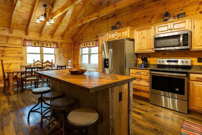Apartment On Roaring Fork Stream 1 Mile To DwTn Gatlinburg photo 25605423