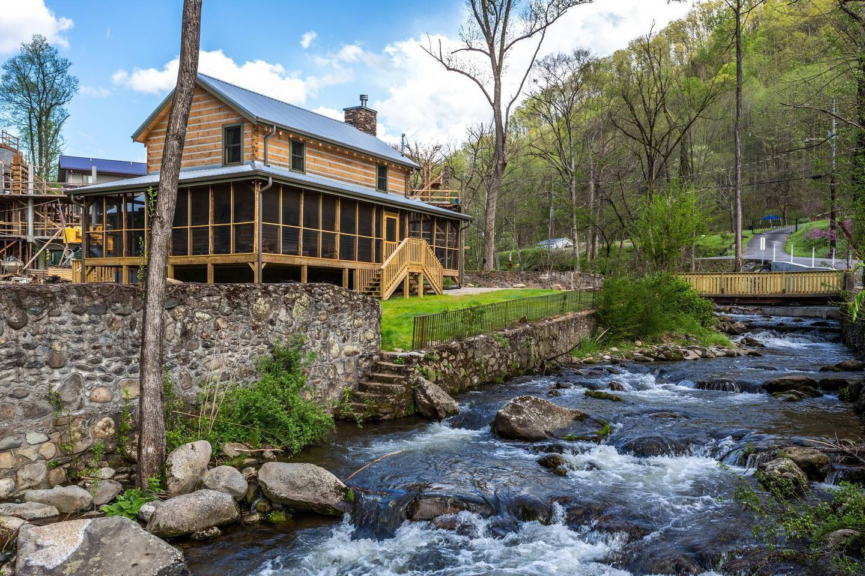 Apartment On Roaring Fork Stream 1 Mile To DwTn Gatlinburg photo 25605441