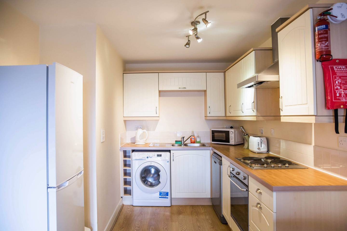 Modern Flat By Hitchin Station with Free Parking photo 18424170