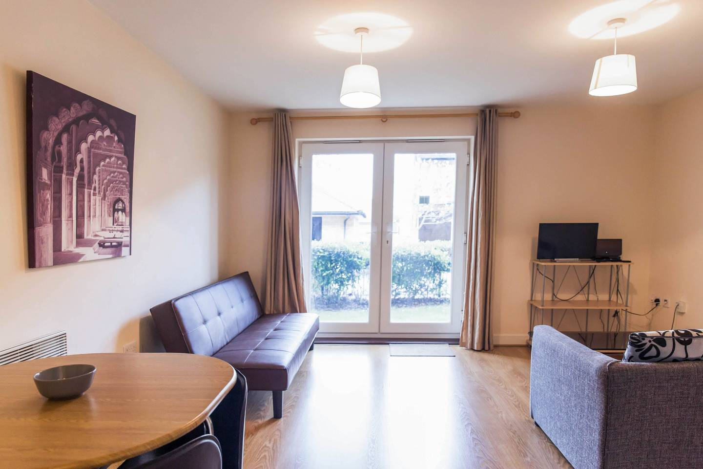 Modern Flat By Hitchin Station with Free Parking photo 18495314