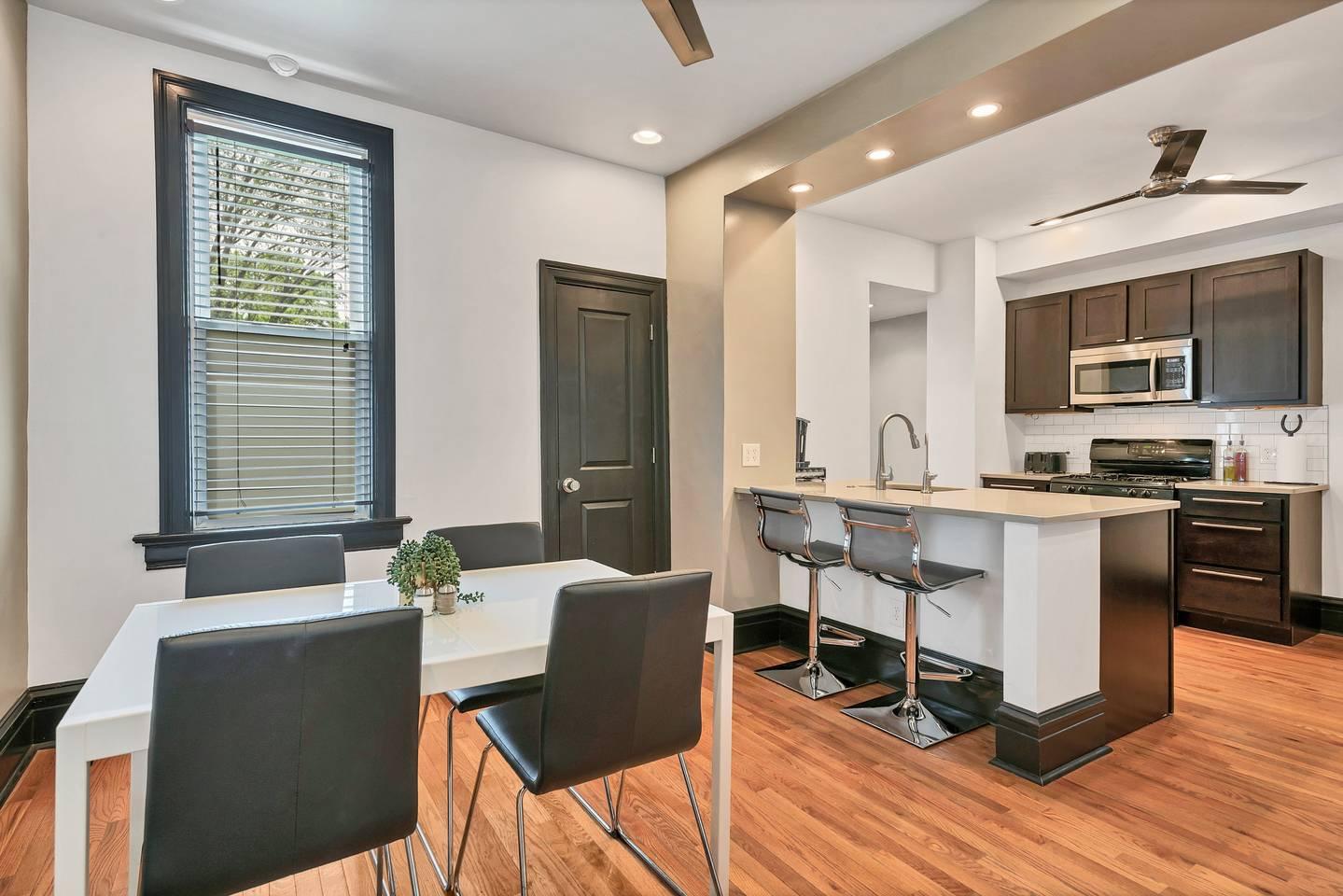 Smarthome | Full Kitchen | Next to Tower Grove! photo 16006536