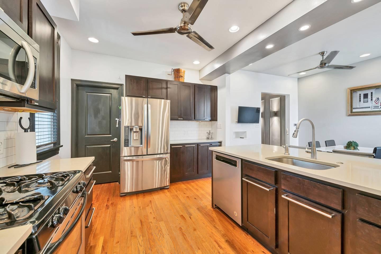 Smarthome | Full Kitchen | Next to Tower Grove! photo 16118675