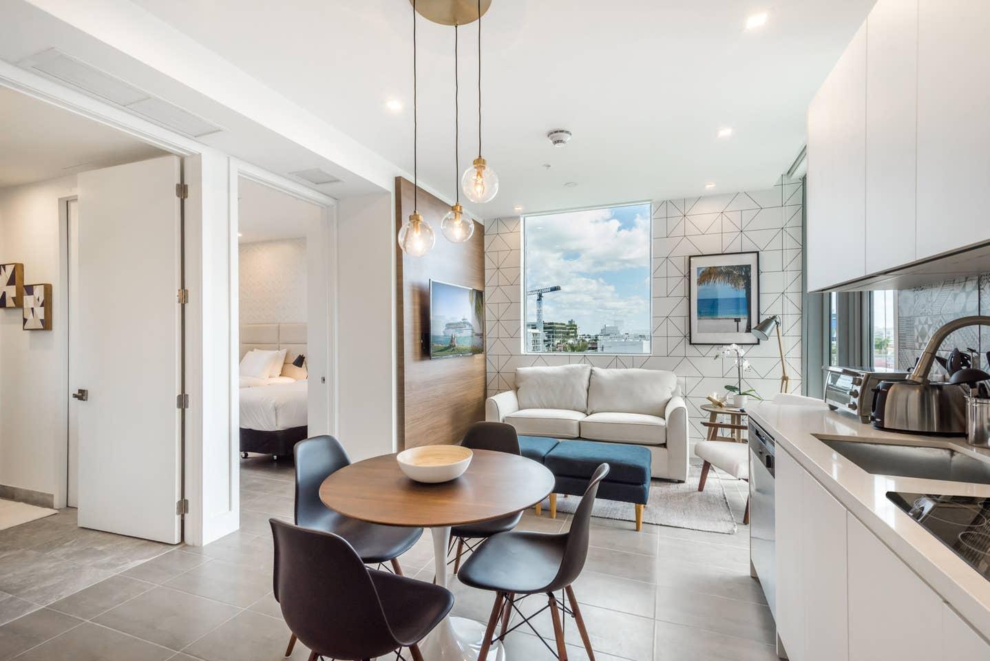 Luxury 2 bedroom apt in Miami Beach 0