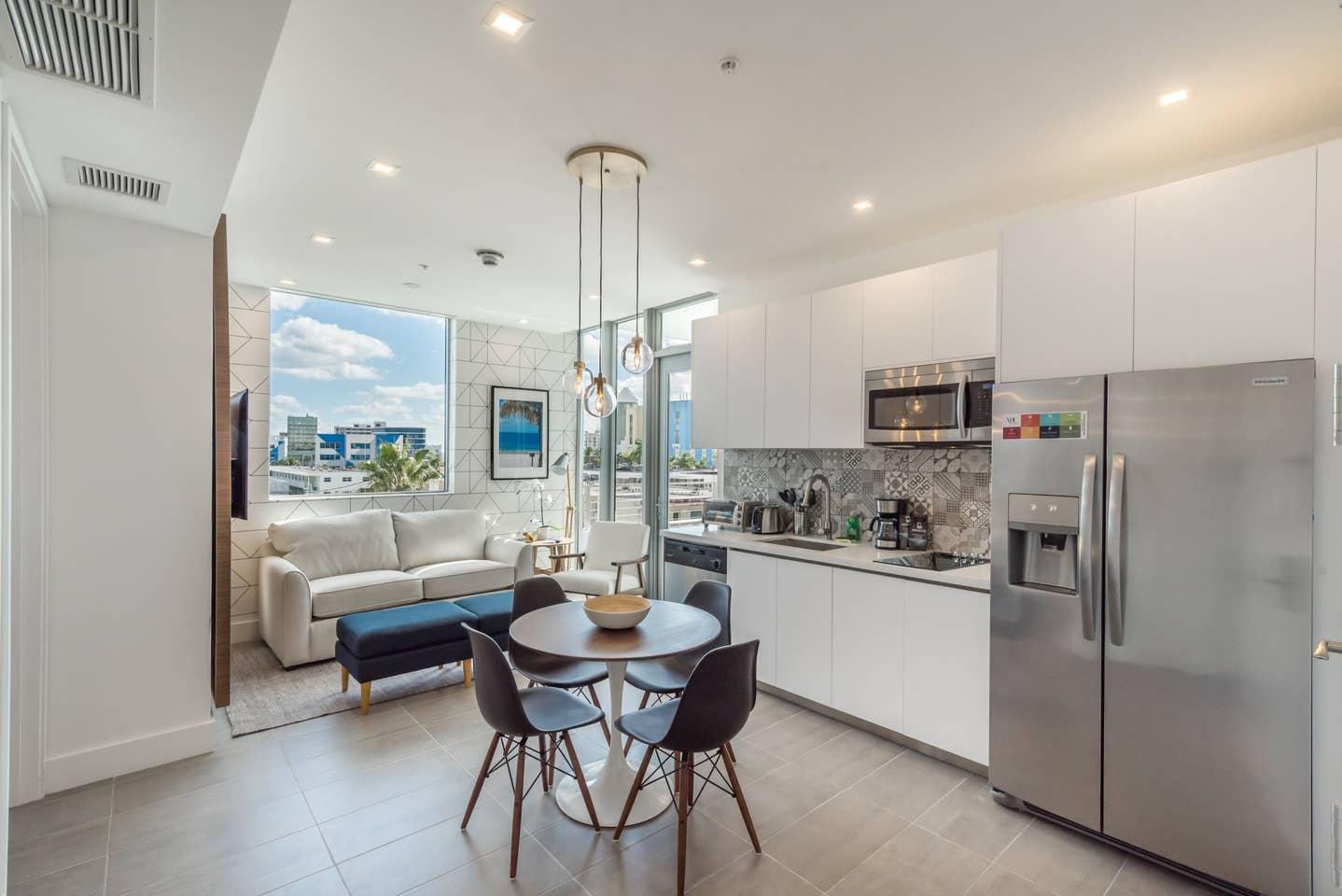 Luxury 2 bedroom apt in Miami Beach 1