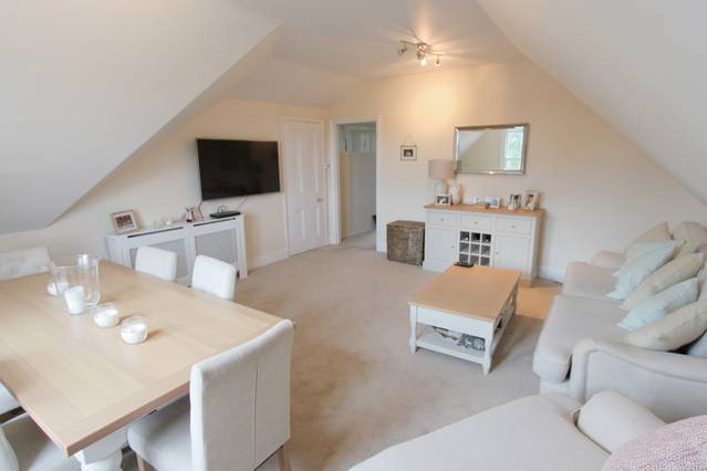 A Charming Modern 2 Bedroom Apartment - Airbristol