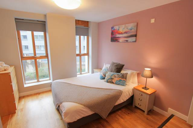 2 Bed Flat, Central Bristol & Parking - Airbristol